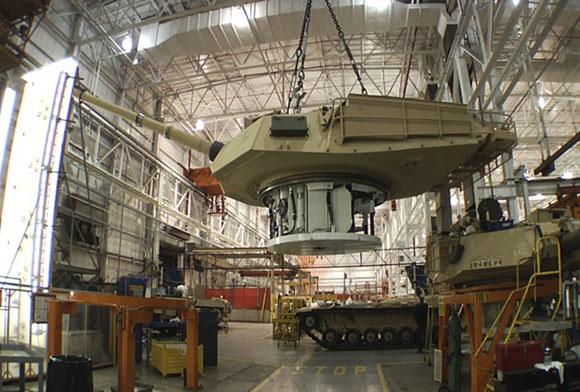 Los sofisticados sistemas de armas ya adquiridos por Egipto incluyen aviones de combate F-16, aviones de reconocimiento E2-C Hawkeye, helicópteros Apache y Sikorsky, aviones de transporte C-130, Sidewinder, misiles Sparrow, Improved-Hawk y Hellfire, tanques de guerra M-1A1 Abrams y M60A1, y vehículos blindados M113A2.