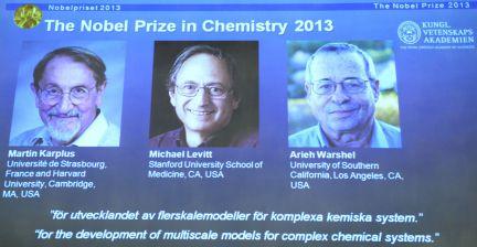 El Premio Nobel de Química 2013 es para el austriaco Martin Kaplus, el británico Michael Levitt y el israelí Arieh Warshel, por el desarollo de sistemas químicos complejos.