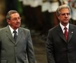 Raúl Castro y Tabaré Vázquez. Foto: Archivo