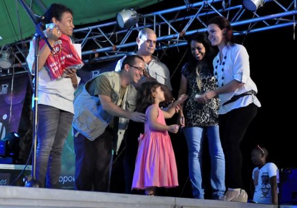 12DEntrega de los premio. Foto. Roberto Garaicoa. Cubadebate.