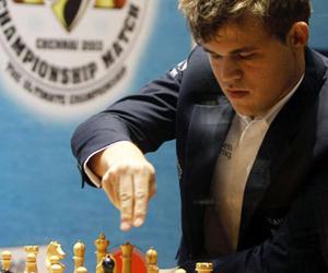 Nuevas tablas y Carlsen se acerca al título de campeón mundial de ajedrez