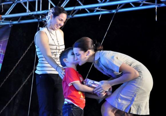9DEntrega de los premio. Foto. Roberto Garaicoa. Cubadebate.