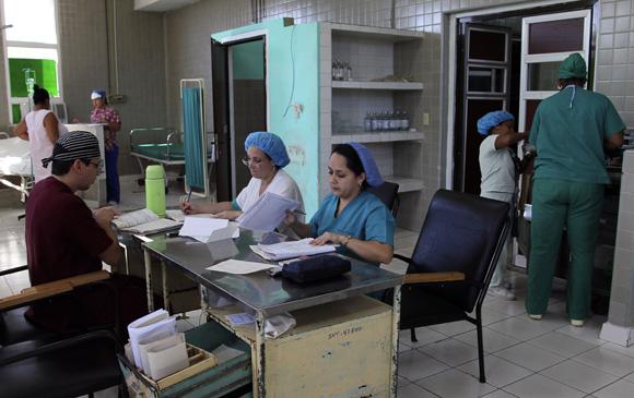 Toma de conductas en la sala preparto. Foto: Ladyrene Pérez/Cubadebate.