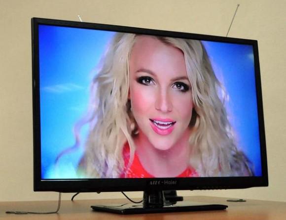 Primer Televisor digital cubano integrado LCD-LED, presentado durante la Decimotercera Semana Tecnológica, en la Escuela de Correos de Cuba, en La Habana, el 27 de noviembre de 2013.   AIN FOTO/Marcelino VAZQUEZ HERNANDEZ