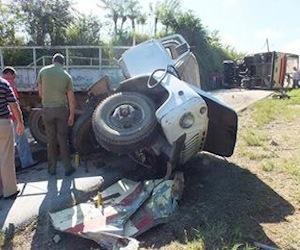 """El accidente ocurrió en el kilómetro 13 de la carretera hacia Manicaragua, en un lugar conocido como """"Casanova"""", y donde se proyectó un camión contra una guagua Girón que transportaba a jóvenes estudiantes de la escuela """"Formadora de Maestros"""", de Santa Clara, que iban de pase hacia Güinía de Miranda en Manicaragüa. Foto: CMHW"""