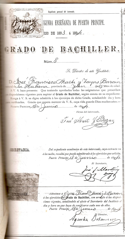 Fascimil del certificado de Bachiller, adquirido en Camaguey por José Francisco. Foto del autor