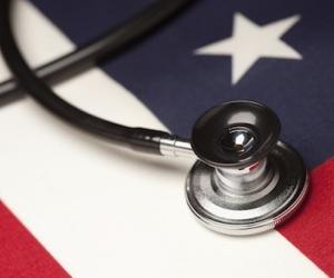 Médicos estadounidenses preocupados por falta de condiciones para sistema de salud masivo