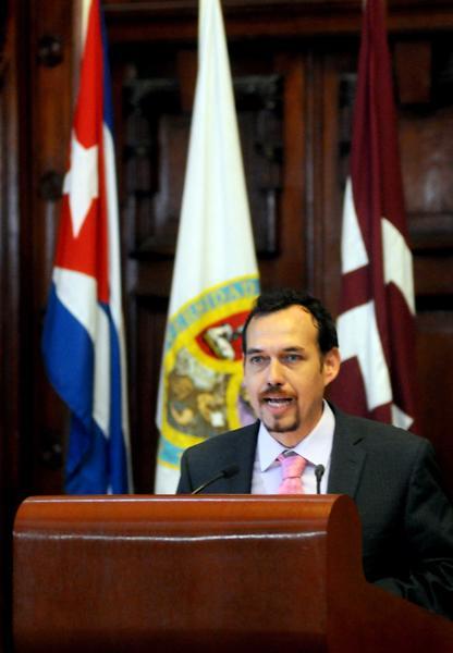 Raúl Garcés decano de la Facultad de Periodismo de la Universidad de La Habana (UH), durante la inauguración del VII Encuentro Internacional de Investigadores y Estudiosos de la Información y la Comunicación. Foto: Oriol de la Cruz / AIN.