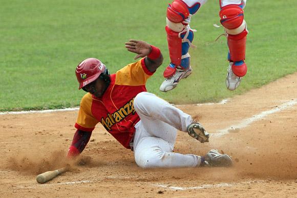 Lázaro Herrera anotó la única carrera de Matanzas. Foto: Ismael Francisco/Cubadebate.