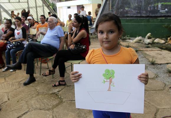 Participante del concurso de pintura para niños. Foto: Ladyrene Pérez/Cubadebate.