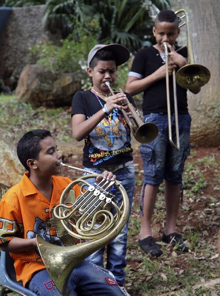 Interpretación de los estudiantes de la escuela primaria Paulita Concepción en saludo al 494 aniversario de La Habana. Foto: Ladyrene Pérez/Cubadebate.