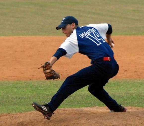 pablo-millan-fernandez-lanzador-holguin-beisbol-foto-dioslaydis-pena