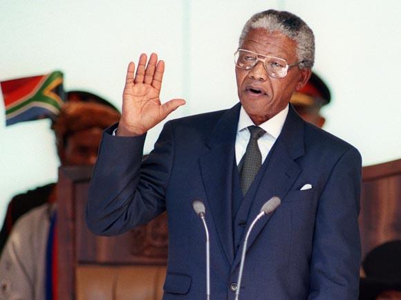 Mayo de 1994: Mandela se convierte en presidente de Sudáfrica.