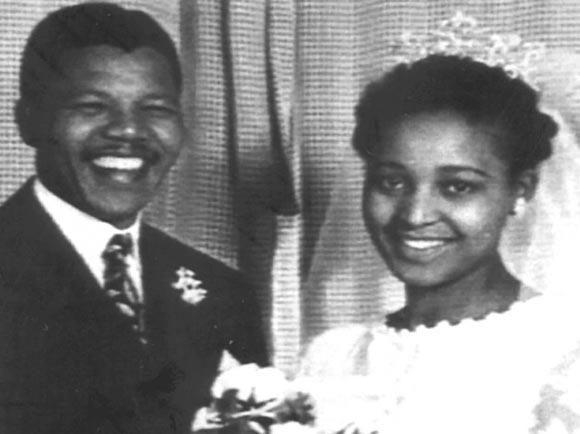 Momento de la boda con Winnie Madikizela.