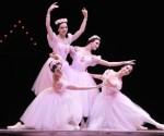 Obra Grand pas de Quatre presentada en la Gala especial por el aniversario 65 Ballet Nacional de Cuba (BNC), realizada en  la Sala Avellaneda del Teatro Nacional, en La Habana, el 26 de diciembre de 2013.