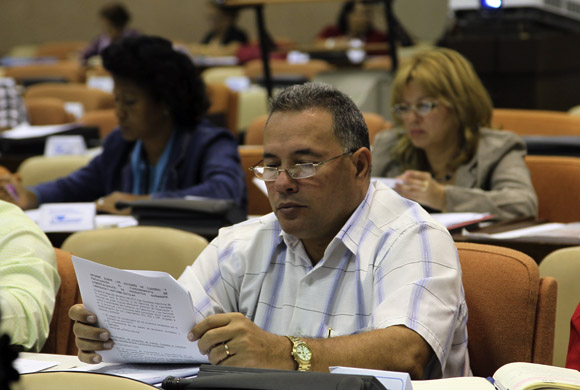 Sesiona en comisiones el Parlamento cubano. Foto: Ismael Francisco/Cubadebate.
