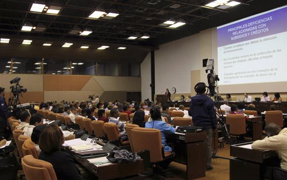 Sesionan comisiones permanentes de trabajo del parlamento cubano. Foto: Ladyrene Pérez/Cubadebate.