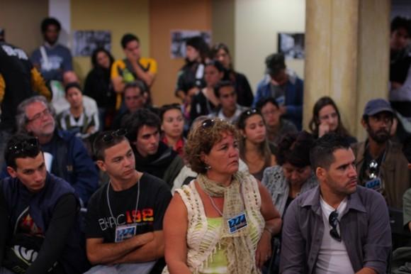 Eventos teóricos XIV Festival Imago, Mesa debate sobre documental. Foto: Claudia Ruiz.
