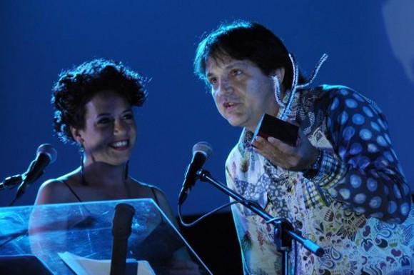 Arturo Soto, director del filme Boccaccerias habaneras, recibe el primer Premio del Público correspondiente al 35 Festival Internacional del Nuevo Cine Latinoamericano, efectuado en el cine Charles Chaplin, en La Habana, Cuba, el 15 de diciembre de 2013.AIN FOTO/Omara GARCÍA MEDEROS