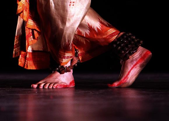 mosaico de danzas Indias, en gala inaugural en el habanero Teatro Mella. Foto: Ismael Francisco/Cubadebate.