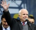 John-McCain-en-Ucrania