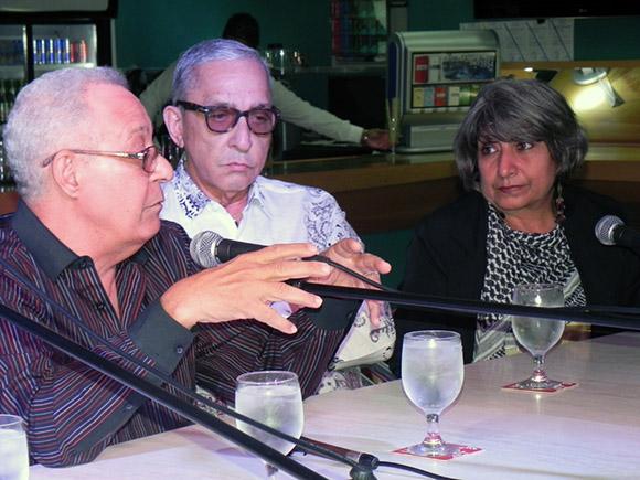 Oscar León General de la Agencia, anunció que  dedica la celebración de los 15 años de Clave Cubana,  a Juan Formell. Foto. René Pérez Massola.