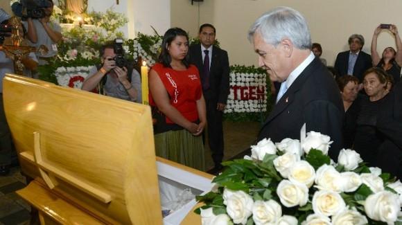 Presidente de Chile en funeral de Alfonzo Baeza EFE
