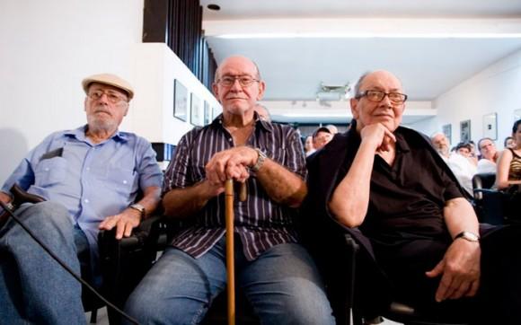 Aurelio Alonso al centro, junto a Fernández retamar y el fallecido Alfredo Guevara.