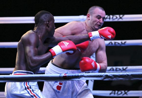 Tres cubanos entre los mejores boxeadores del presente año