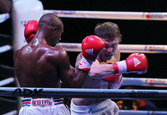 Ramon Luis de Cuba, de 75 kg, le ganó a Andrey Efremenko de Rusia. Foto: Ismael francisco/Cubadebate.