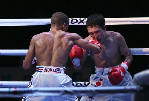 Yosvany Veitia de 49 kg le ganó a Bator Sagaluev de Rusia. Foto: Ismael Francisco/Cubadebate.