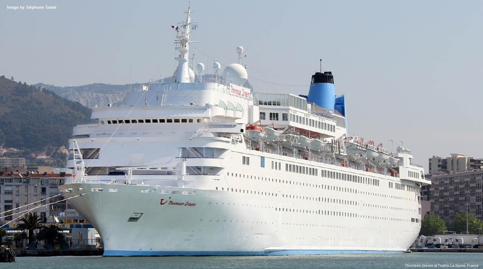 El Thomson Dream, primer crucero en llegar a Cuba en esta temporada de invierno.
