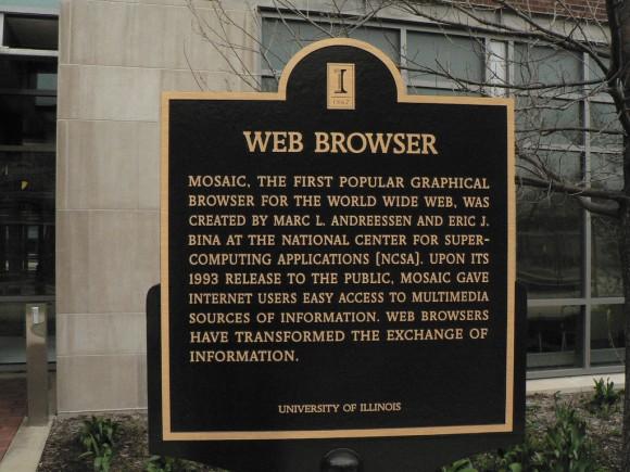 Placa conmemorativa en honor a MOSAIC, el primer buscador de internet (Foto: Marc_Smith en Flickr)