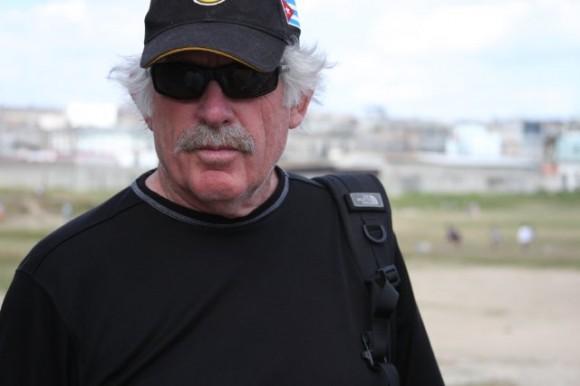 Eugene Corr  tiene una vasta trayectoria en Estados Unidos como guionista, editor y director de series y películas.