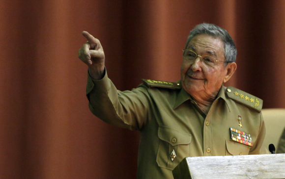 Clausura Raúl Castro, presidente de Cuba, sesión plenaria del parlamento cubano.  Foto: Ismael Francisco/cubadebate.