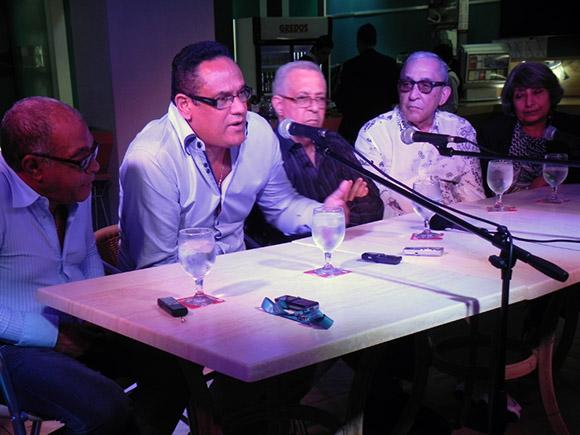 Pachito Alonso, también rememoró los inicios de la Agencia Clave Cubana. Foto. René Pérez Massola.