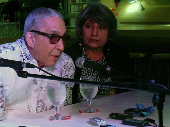 Aunque hoy el escenario es diferente -aseveró Formell- debemos insistir en la necesidad que tenemos de  darle fuerza  a la música popular cubana, así como darle la promoción que merece. Foto. René Pérez Massola.