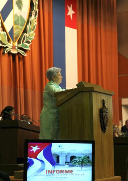 Gladys Bejerano, Gladys Bejerano Portela, Contralora General de la República de Cuba Gladys Bejerano, miembro del Comité Central del Partido Comunista de Cuba un informe  Foto: Ismael Francisco/Cubadebate.