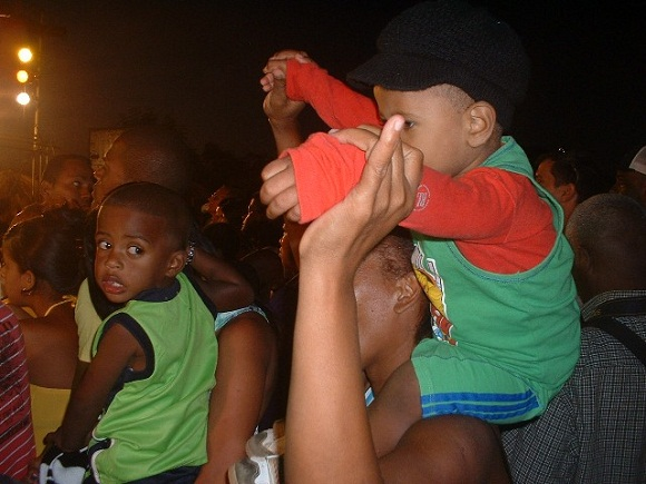 niños-concierto-Silvio-Indaya