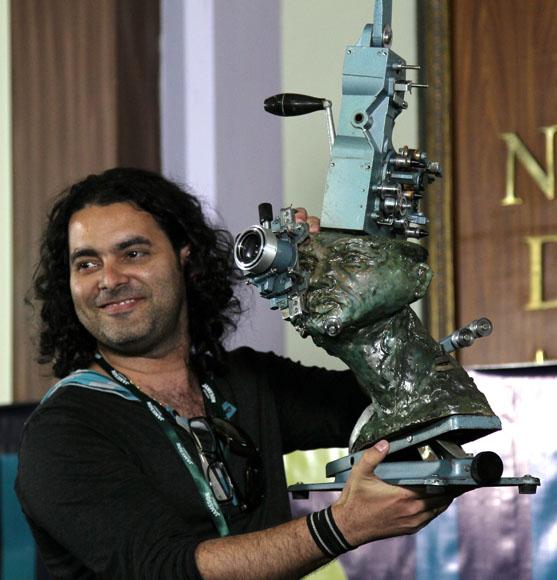 El realizador cubano Carlos Barba, Premio Vigia. Foto: Ismael Francisco/Cubadebate.