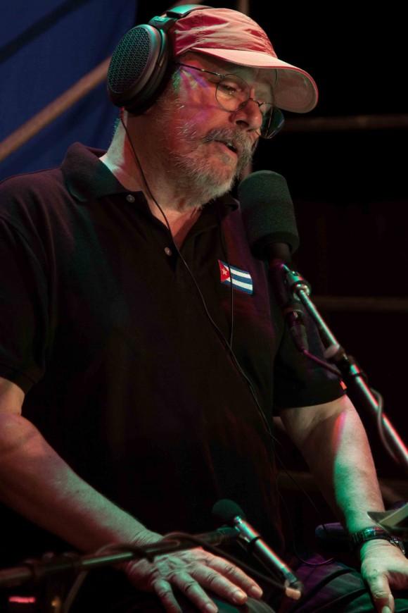 Silvio en Santa Fe, escenario de uno de sus conciertos por los barrios. Foto: Alejandro Ramírez Anderson.