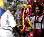 2 El Excelentisimo Señor Embajador de la Republica del Ecuador, Edgar Ponce Iturriaga, rinde tributo al General Eloy Alfaro.