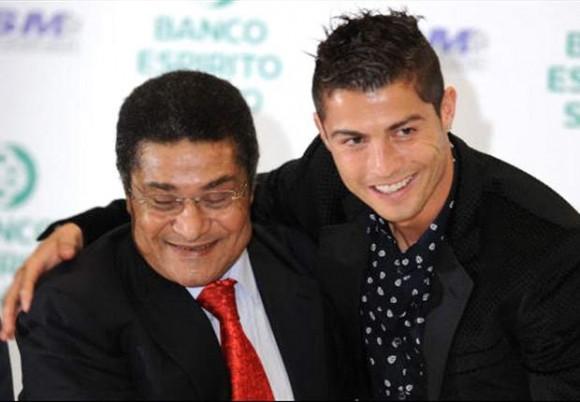 Cristiano Ronaldo, otro de los mejores jugadores portugueses de toda la historia, no ha tardado en mandar un mensaje a través de su cuenta de Twitter de condolencia. Eusebio, siempre eterno, descanse en paz, dice el mensaje
