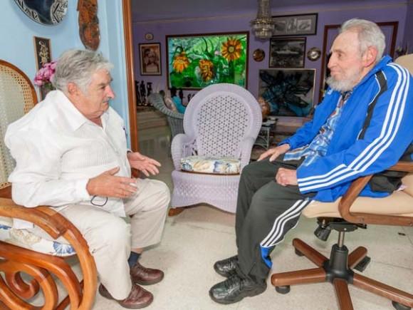 El presidente uruguayo José Mujica y el líder cubano Fidel Castro en La Habana, el 29 de enero de 2014. Foto: Alex Castro