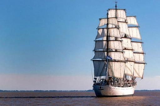 Fragata Libertad + argentina