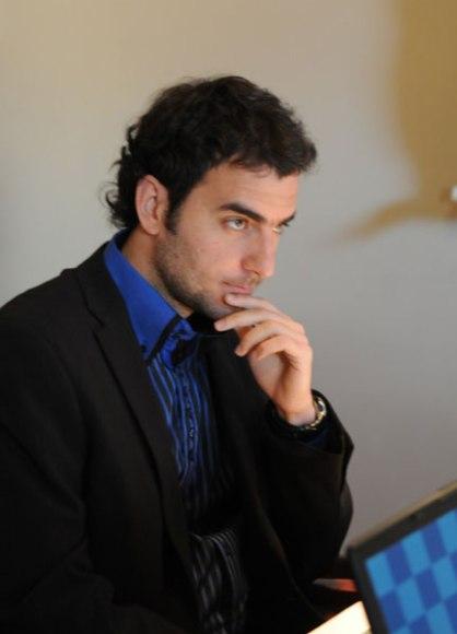 Mañana es fecha de descanso en el torneo y el jueves Leinier Domínguez jugará con piezas negras ante Gelfand.