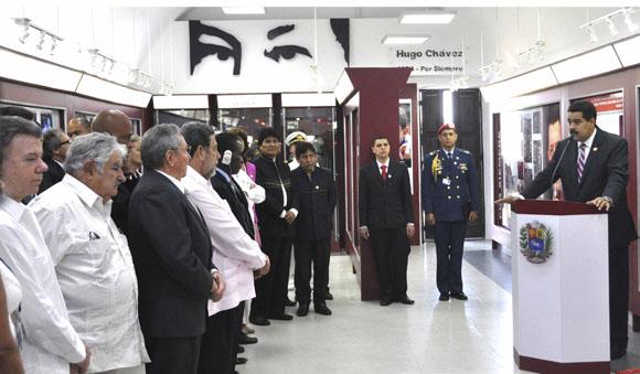Nicolás Maduro (podio), Presidente de la República Bolivariana de Venezuela, en la  inauguración del Museo Hugo Chávez, en el complejo Morro-Cabaña, en La Habana, Cuba, el 29 de enero de 2014, con la presencia de mandatarios latinoamericanos y caribeños que participan en la II Cumbre de la Comunidad de Estados Latinoamericanos y Caribeños,      AIN   FOTO/Marcelino VÁZQUEZ HERNÁNDEZ.