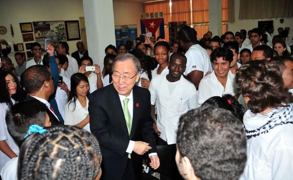 Secretario de la ONU, Ban Ki-Moon visita Escuela Latinoamericana de Medicina. Foto Ricardo López Hevia