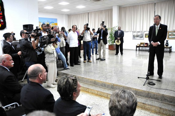 Ban Ki-moon visita la Escuela Lationoamericana de Medicina (ELAM), de La Habana. Foto: Ricardo López Hevia/ Granma