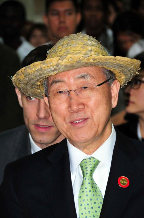 Secretario de la ONU, Ban Ki-Moon visita Escuela Latinoamericana de Medicina. Foto Ricardo López